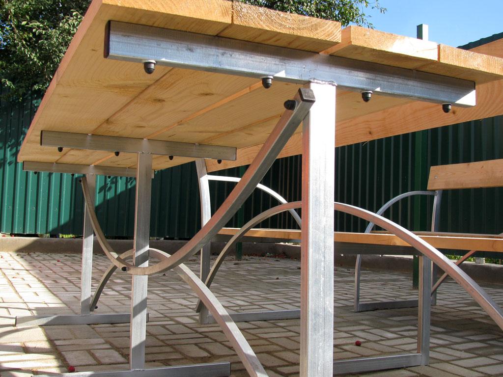 Стол с навесом для дачи из дерева 191